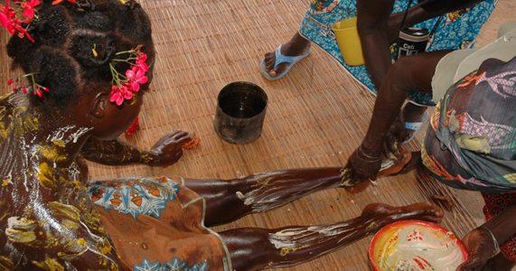 ceremonie de la fille pubere ou manzanmouan