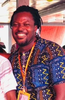 Mouvement raëlien / Université du Bonheur. Ouattara Karim ( guide-évêque, responsable continental de l'enseignement ) : » L' homme a droit au bonheur malgré les difficultés du moment «.